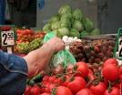 Граждане России стали экономить на продуктах